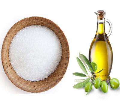 sugar-olive-oil-lip-scrub